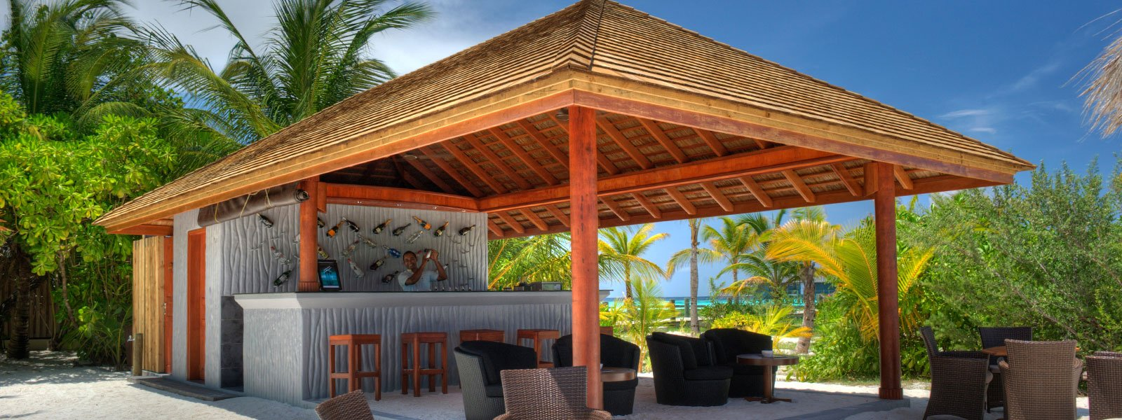komandoo-restaurants-beach-bar_1600x600