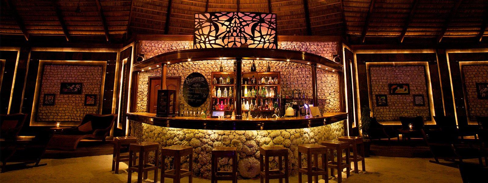 kuredu-restaurants-sangubar_1600x600