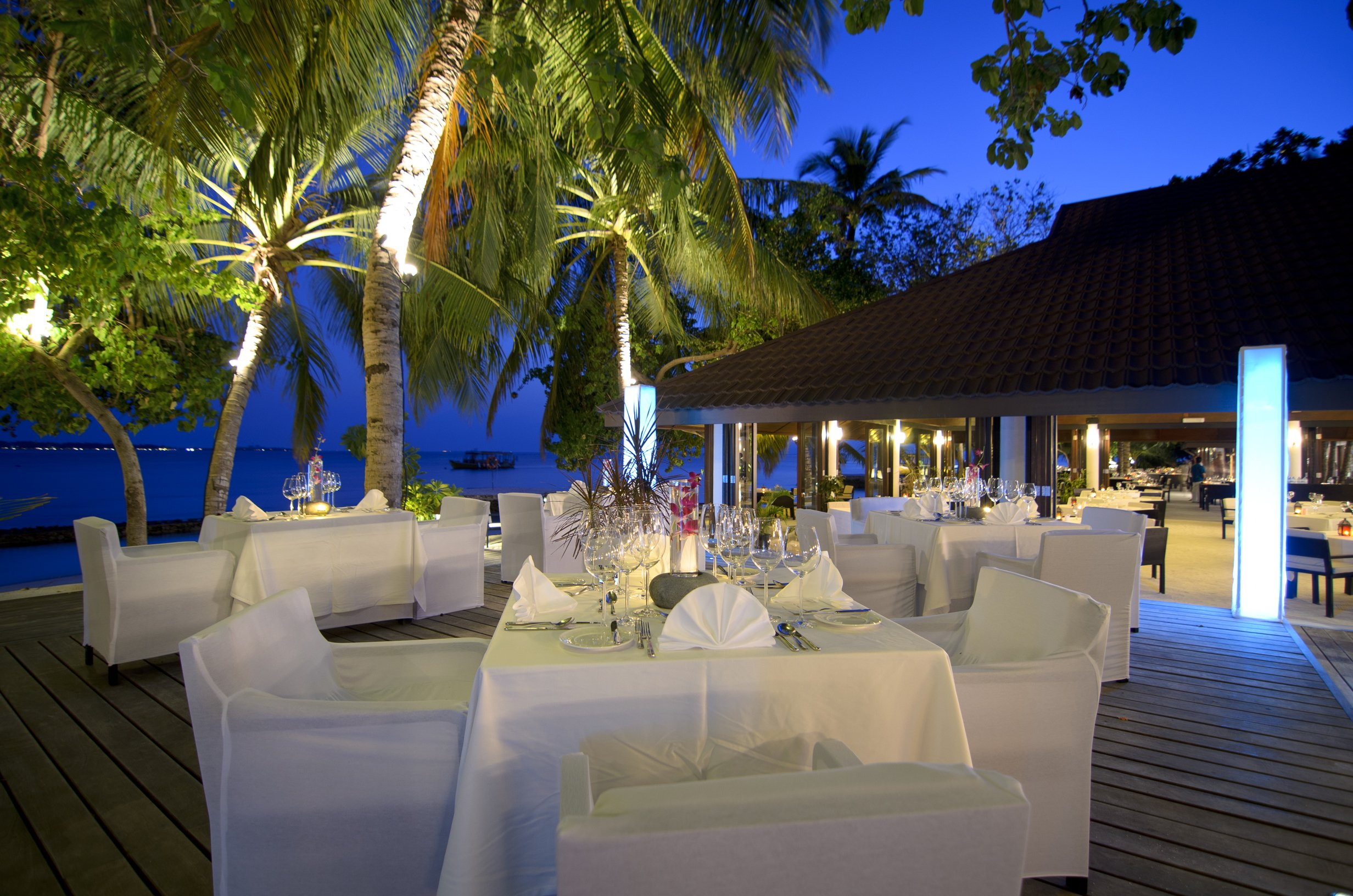 Wave Restaurant Lily Beach Maldives