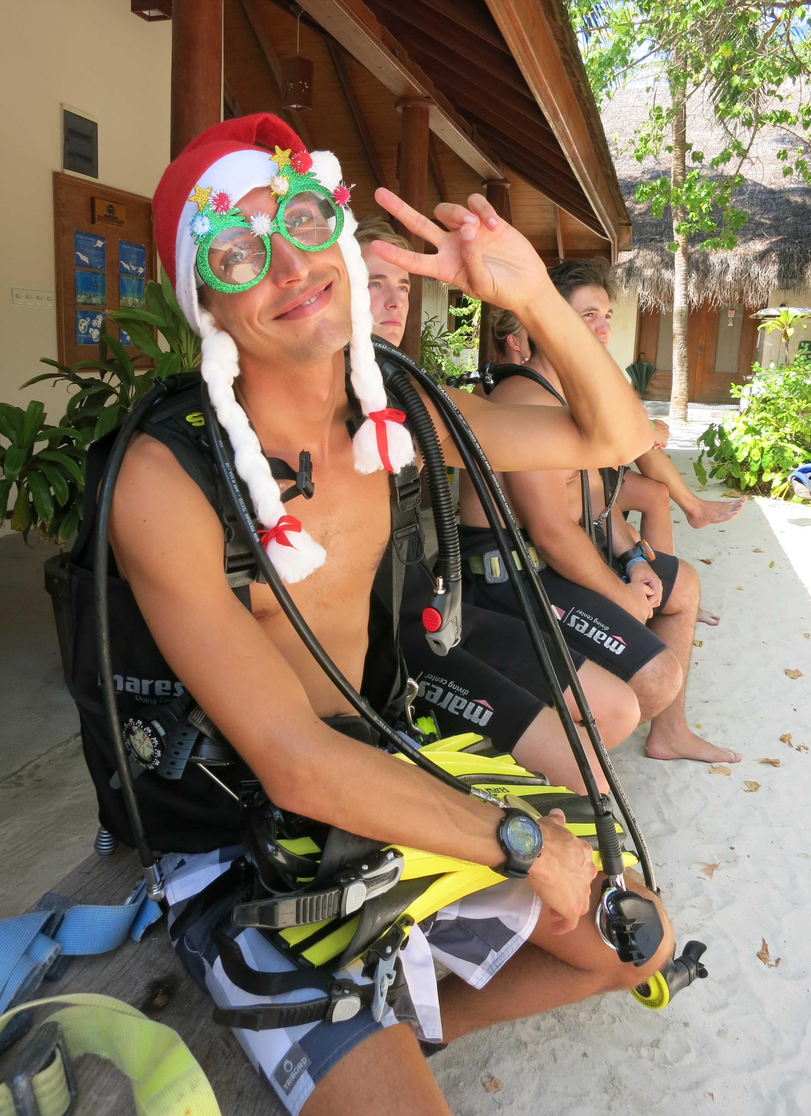 Prodivers Kuredu Christmas Treasure Hunt - Dive The Maldives