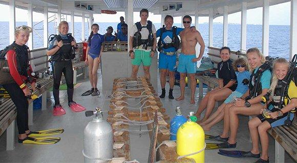 kuredu maldives diving children