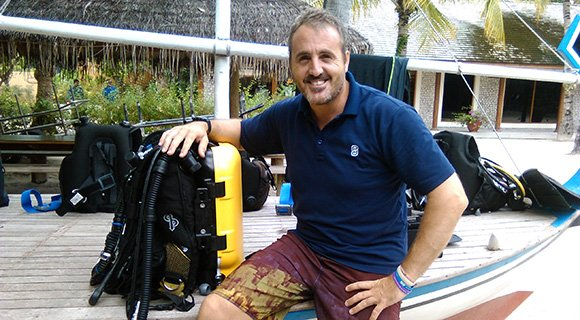 Videographer Scuba Diving Rebreather Maldives