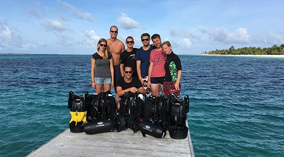 group diving prodivers maldives