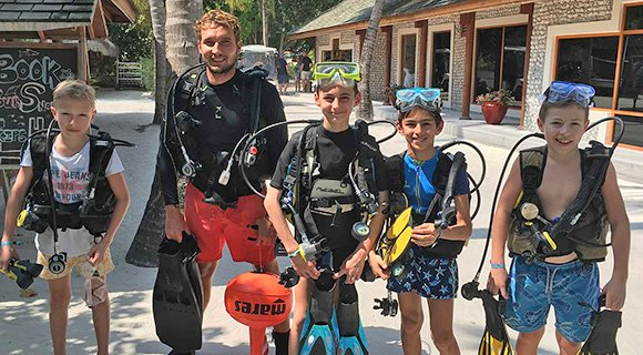 kids scuba diving Maldives PADI