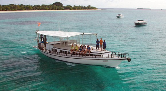 Maldives Snorkelling Boat trip