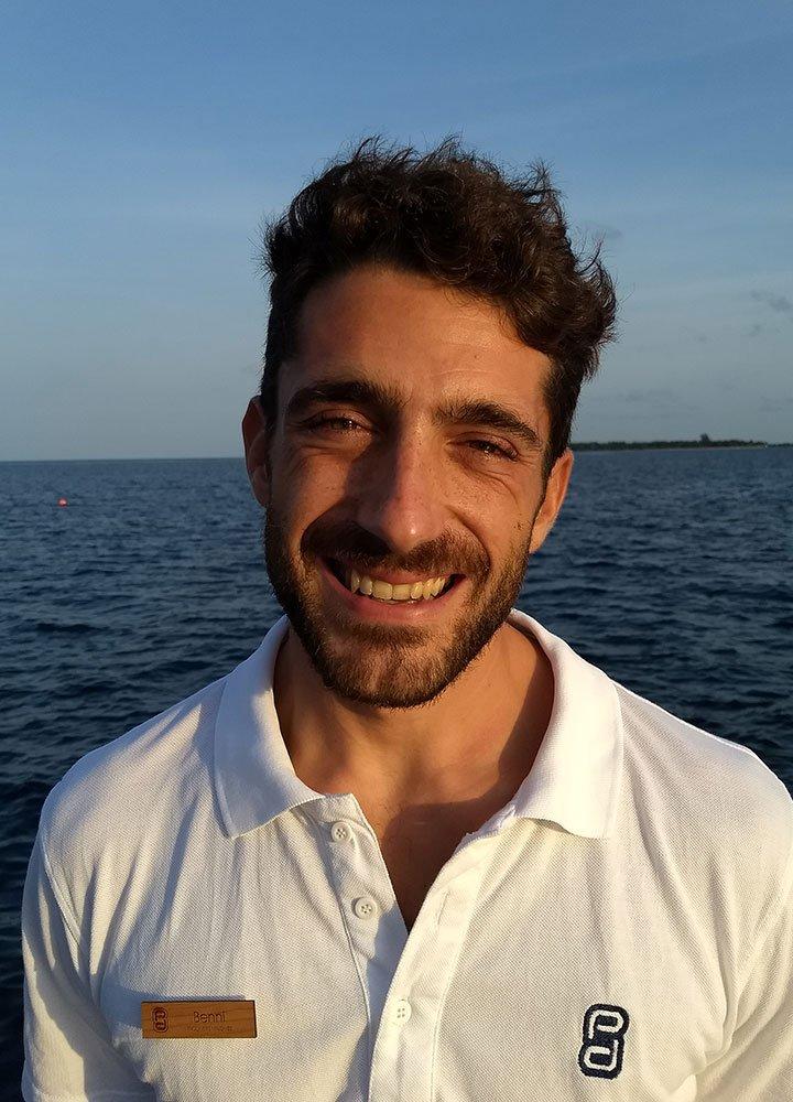 Prodivers Maldives Diving Instructor