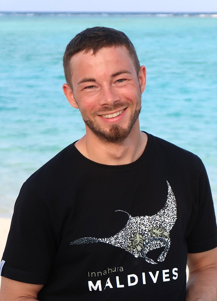 Maldives PADI Diving Instructor