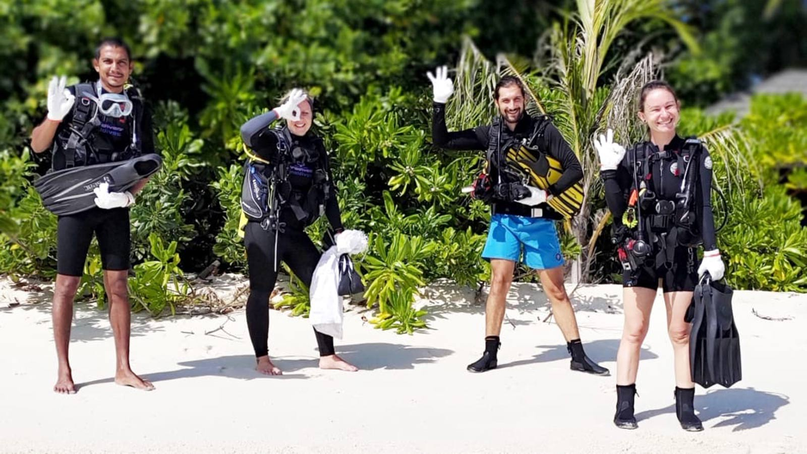 Clean Up The World Diving